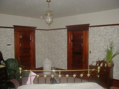 Bedroom on Kuhnel Family   Zanone House Master Bedroom
